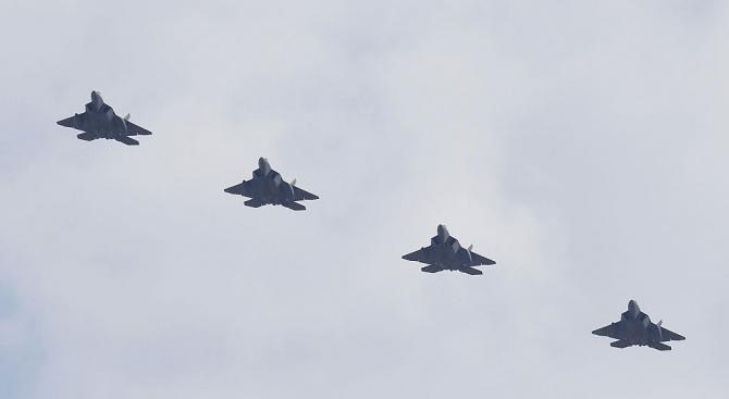 Шефът на иранските военновъздушни сили генерал Азиз Насирзаде каза, че