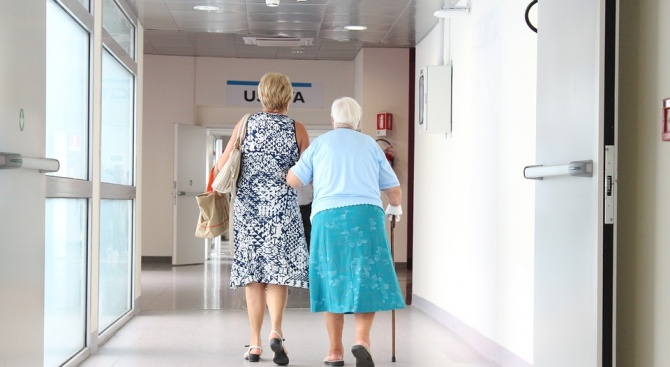 Подадоха жалба срещу лекар заради обида и изгонване от болницата.