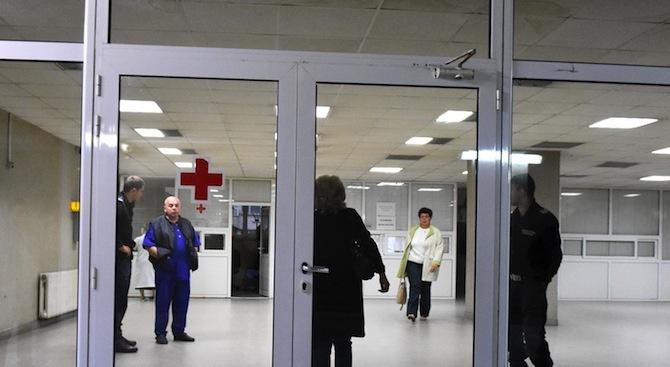Лекари от Спешна помощ - Горна Оряховица плашат с колективна оставка