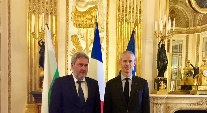 Министрите на културата на Франция и България се договориха: Проект за остров на изкуствата край Созопол ще има