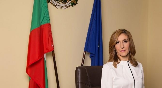 Министърът на туризма Николина Ангелкова е на двудневно работно посещение