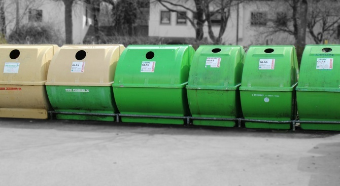 Приключи поставянето на новите контейнери за битови отпадъци в Шумен