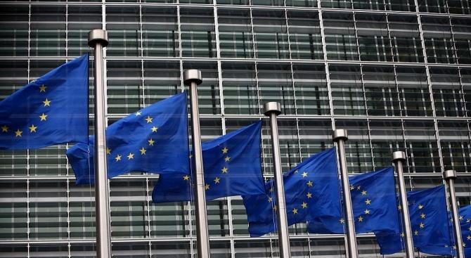"""България се представи успешно в  """"Европейската битка"""" за авторското право"""