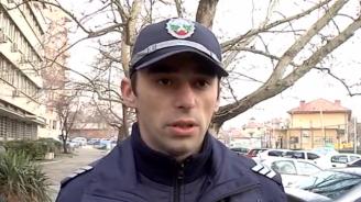 Агресия срещу полицаи в Сливен: Дрогиран направи опит да прегази униформен, друг нападна полицай със сабя