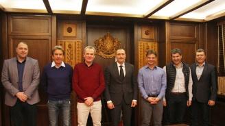 Експерти от швейцарския курорт Вербие на среща с кмета на Банско