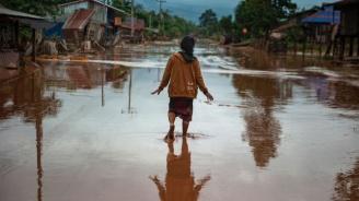Петима загинаха при наводнения в Алжир