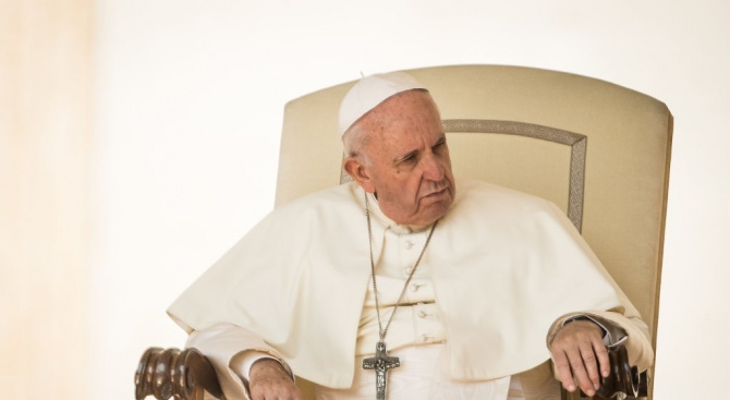Папата: Не трябва да забравяме черните страници на историята
