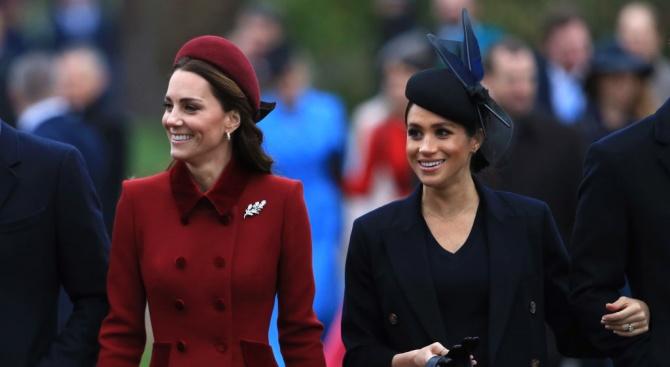 Кралското семейство в битка със сексистки и расистки коментари по адрес на Кейт и Меган
