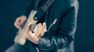 Поп песните са станали по-гневни и по-тъжни през последните десетилетия