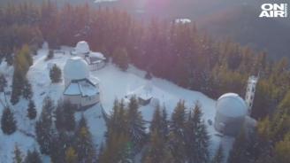 Как се оцелява и работи под два метра сняг и без ток? (снимки)