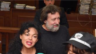 Съдебни изпълнители влязоха в къщата на Баневи