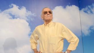 Холивуд отдаде почит на Стан Лий (снимки)