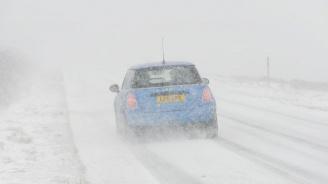 Зимата попречи на движението в някои части на Великобритания
