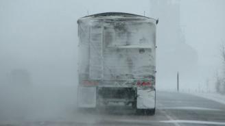 Снежна виелица затвори магистрала в Италия