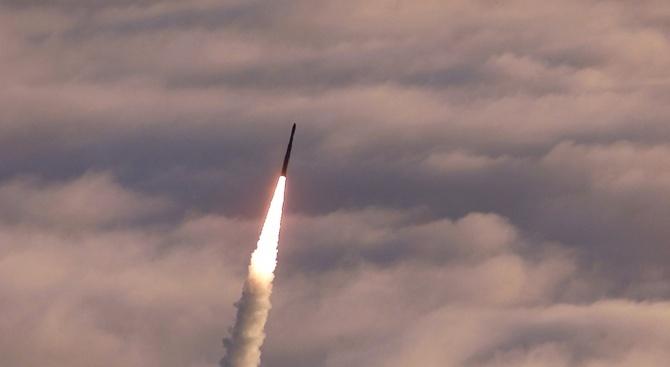 Иран показа нова ракета с обсег 1000 километра