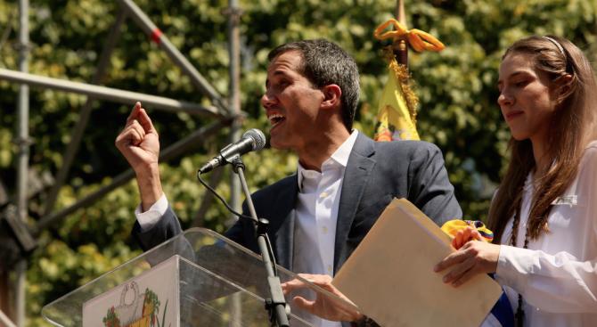 Франция призна Хуан Гуайдо за временен президент на Венецуела, предаде