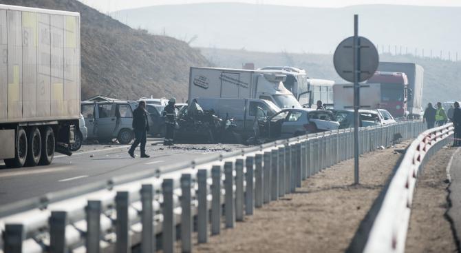 """Шестима от ранените на АМ """"Струма"""" остават в болницата в Сандански"""
