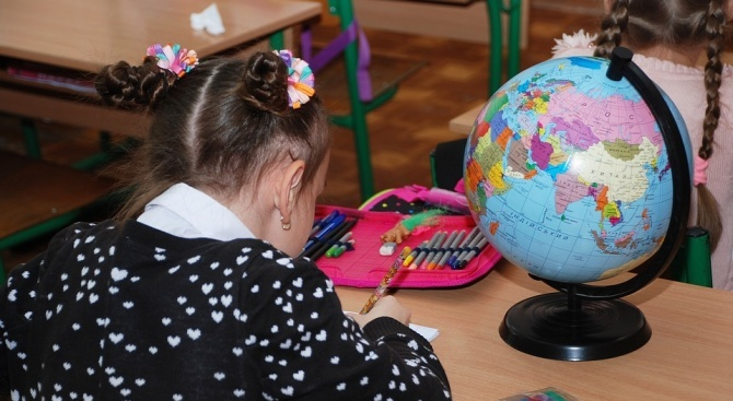 Децата, чийто майчин език не е българският, ще взимат допълнителни уроци