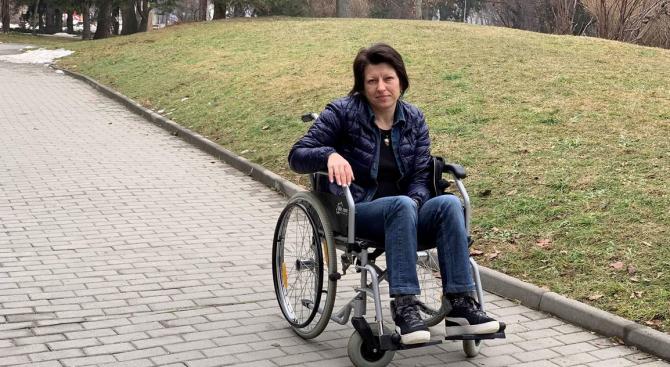 Медицински феномен: Жена инвалид прохожда всяка нощ