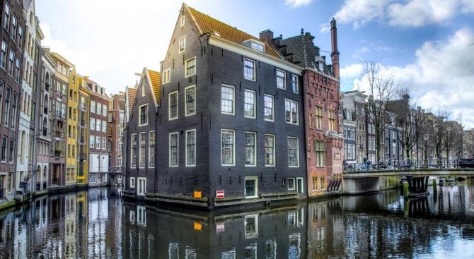 Каналите в Амстердам се ронят и се нуждаят от спешен ремонт