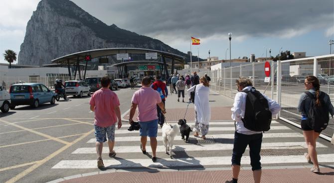 Испания ще наеме над 1700 нови чиновници за справяне с последиците от Брекзита
