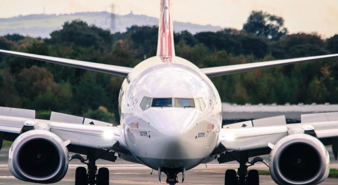 Самолет със 150 пътници на борда кацна по спешност в Букурещ