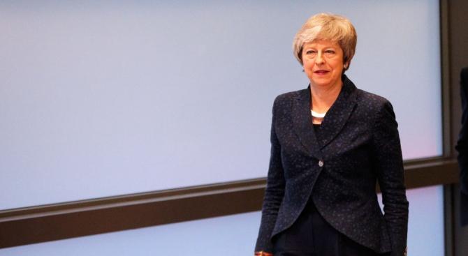 Тереза Мей ще обещае още един дебатв парламента по Брекзита, за да печеливреме за преговори