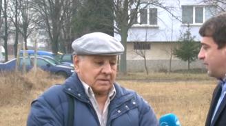 Вижте циганите, които нападнаха и пребиха възрастен мъж заради 100 лв. (снимки+видео)