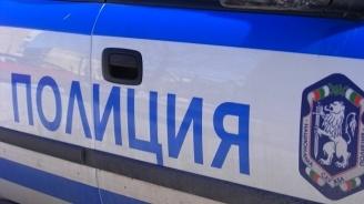 49-годишен удари полицай