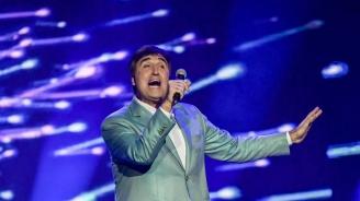 Веселин Маринов спира да пее