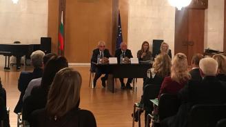 Ангелкова пред туроператори в Москва: С Вашето партньорство ще реализираме потенциала на българския туризъм