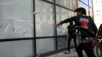 Анархисти превзеха сграда на Гръцко-турската търговска камара