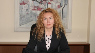 Деница Николова: Изграждаме 68 центъра за грижа за възрастни с психични разстройства и 6 дневни центъра за лица с деменция
