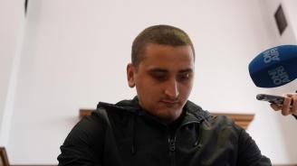 4 години затвор за Йордан Исаев, който уцели с бомбичка полицаи (снимки)