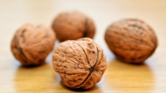 Яжте повече орехи, те подобряват настроението