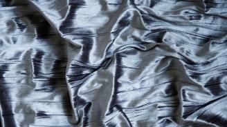 Учени разработиха плат, който реагира на топлината на човешкото тяло