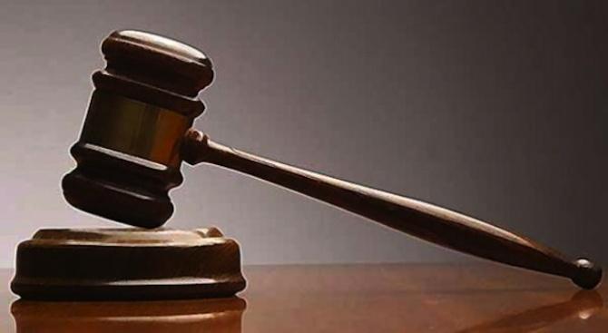 Предадоха на съд двама мъже за отвличане на дете