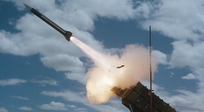 ЕП разглежда ситуацията с Договора за ликвидирането на ракетите със среден и малък обсег