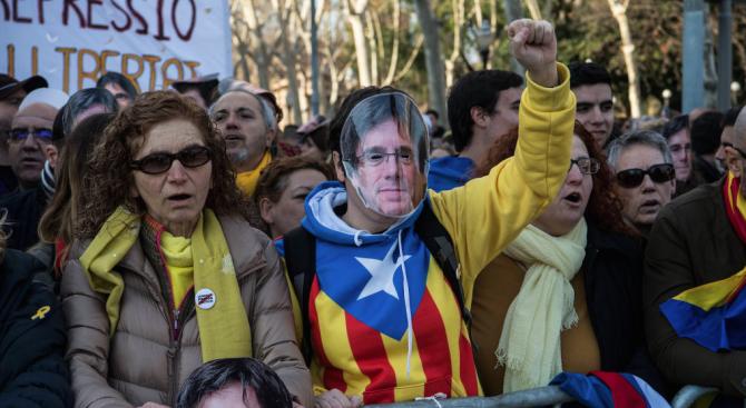 Напрежение в Испания преди началото на съдебния процес на каталунските сепаратисти