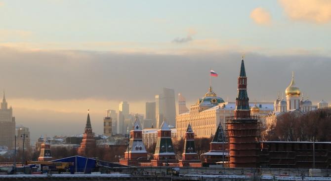 Повечето руснаци подозират,че правителството им ги лъже,сочи допитване