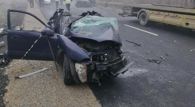 Двама загинаха при тежка катастрофа край Бучин проход