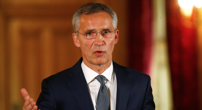 НАТО призова Русия да запази договора за ракетите със среден обсег