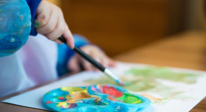 330 деца посещават безплатно детските градини в община Дългопол