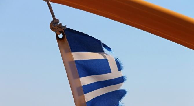 Силния вятър затруднява корабоплаването в Гърция