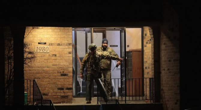 Стрелба в САЩ: Има жертви, ранени полицаи и цивилни