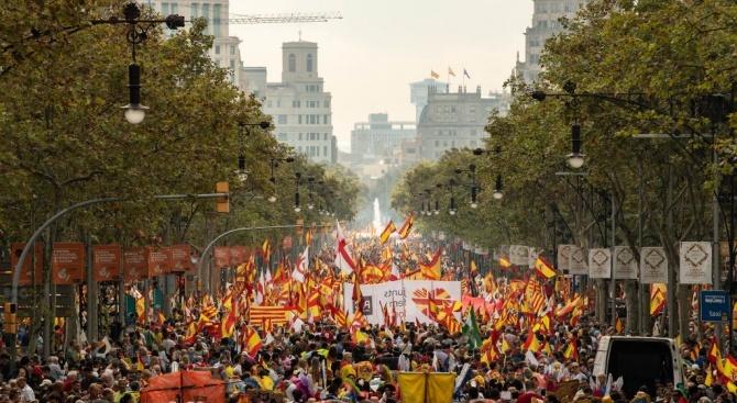 Двеста хиляди души (по данни на полицията) протестираха вчера в