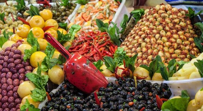 Традиционният фермерски пазар ще се проведе днес на Славейковото пазарче