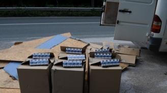 Откриха 4 800 къса цигари без бандерол в имот и в три автомобила в Хасковско