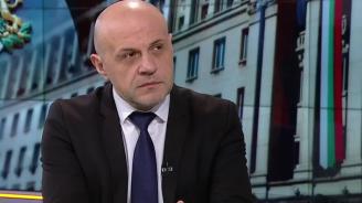 Дончев за Каракачанов: Между партньори не е хубаво да има ултиматум (видео)