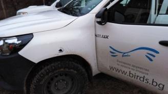 """Бракониери са стреляли по автомобил на Българското дружество за защита на птиците в полева станция """"Дуранкулак"""""""